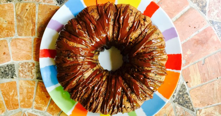 Banana bread bundt cake con cioccolato