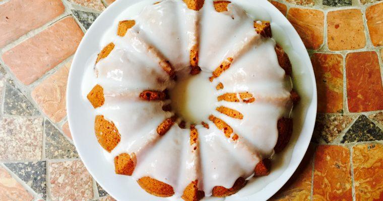 Bundt cake alle mele, noci e cannella