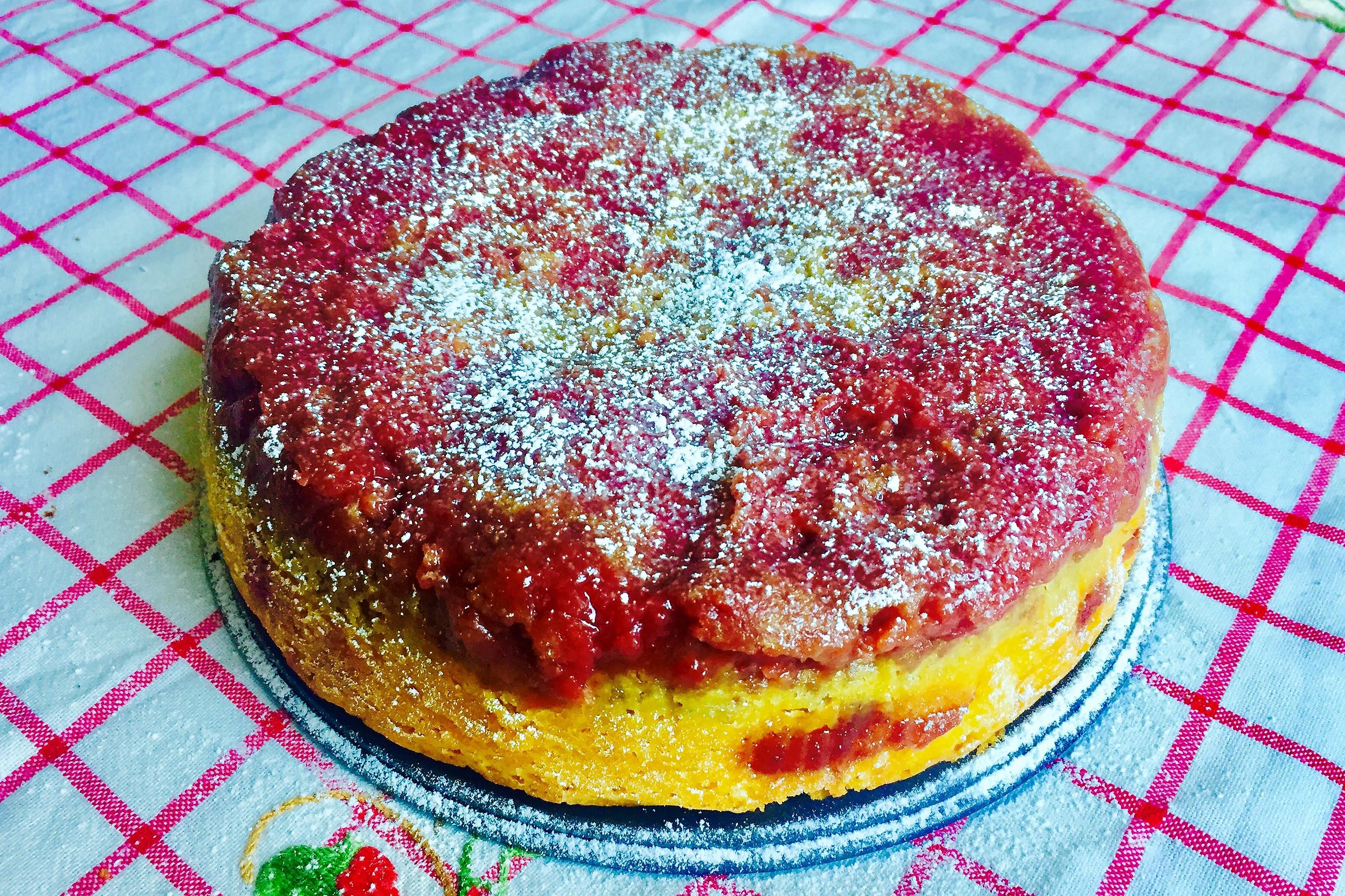 Torta morbida con la marmellata