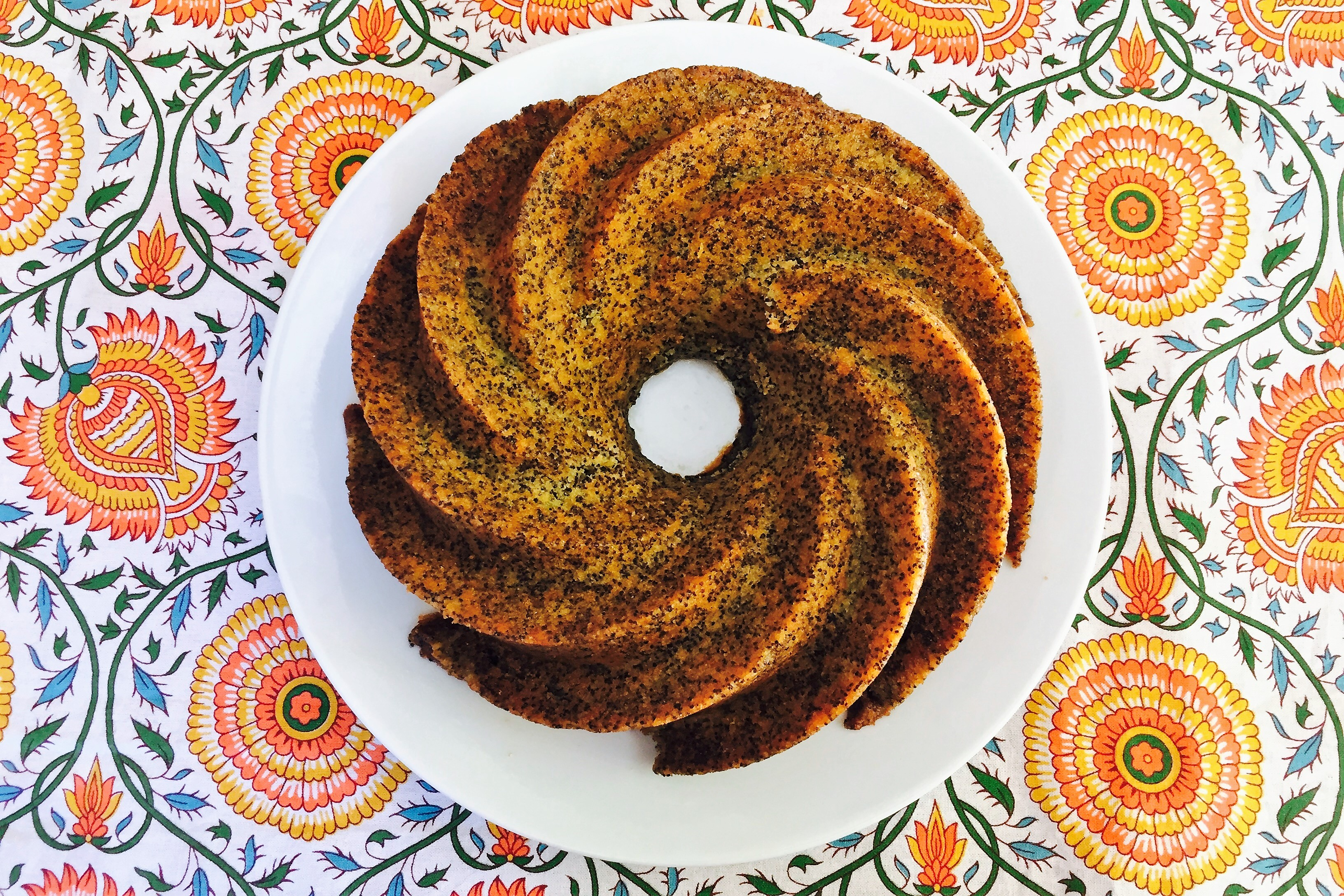 Poppy seed citrus cake di California Bakery