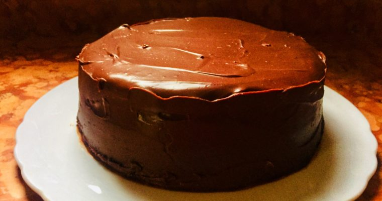 Torta a strati supercioccolatosa (Devil's food cake)