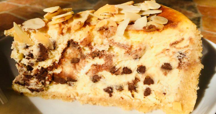 Cheesecake mandorle e cioccolato